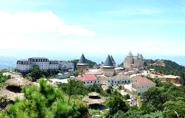Hue to Ba Na hills by motorbike tours